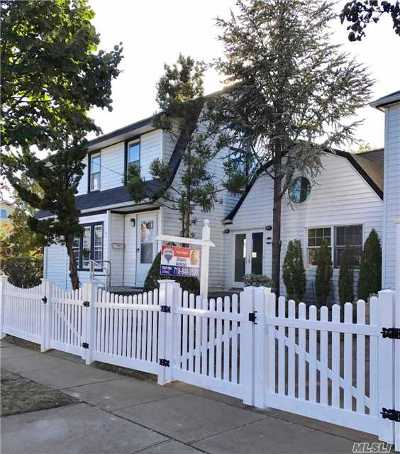 Queens County Single Family Home For Sale: 100-22 222nd St