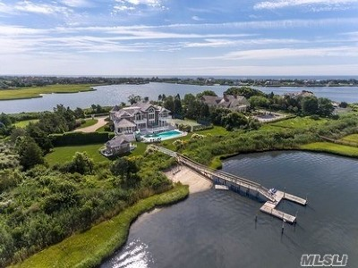 Quogue Single Family Home For Sale: 39 Meadow