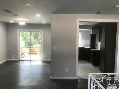 Holbrook Single Family Home For Sale: 1616 Church St
