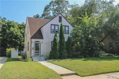 N. Baldwin NY Single Family Home For Sale: $450,000