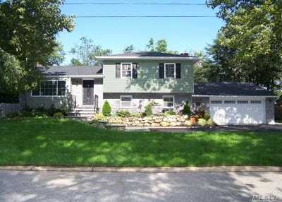 E. Northport Single Family Home For Sale: 30 Meadow Lark Dr