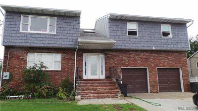 Lindenhurst Rental For Rent: 928 N Richmond Ave