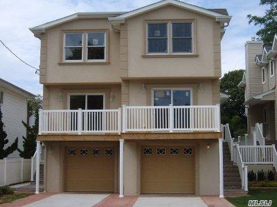 Port Washington Multi Family Home For Sale: 23 Hickory Rd