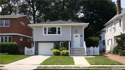 Lynbrook Single Family Home For Sale: 30 Whittier St
