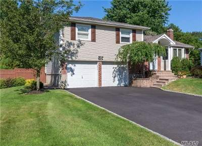 Smithtown Single Family Home For Sale: 14 Tanglewood Dr