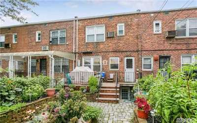 Fresh Meadows Single Family Home For Sale: 76-43 167 St