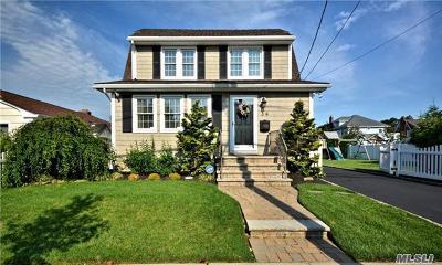 Nassau County Single Family Home For Sale: 34 S Kensington Ave