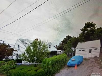 Pt.jefferson Sta Single Family Home For Sale: 707 Patchogue Rd