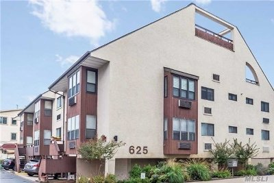 Long Beach Condo/Townhouse For Sale: 625 Shore Rd #2B