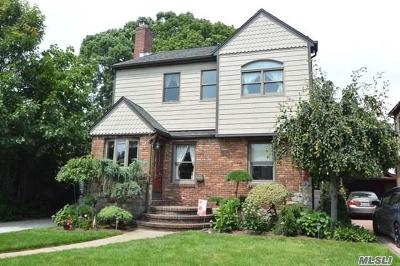 Malverne Single Family Home For Sale: 104 Doncaster Rd