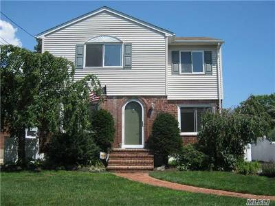 Bellmore Single Family Home For Sale: 1939 Bergen St