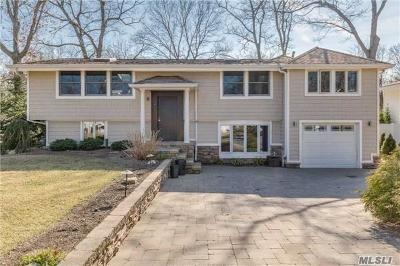 Commack Single Family Home For Sale: 12 Redleaf Ln