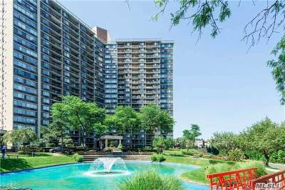 Bayside Condo/Townhouse For Sale: 1 Bay Club Dr #6F