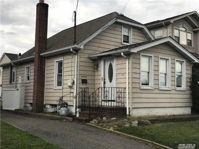 Oceanside Single Family Home For Sale: 2897 Beverly Rd