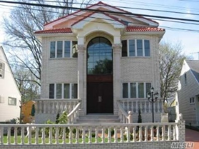 Little Neck Single Family Home For Sale: 259-26 61 Ave