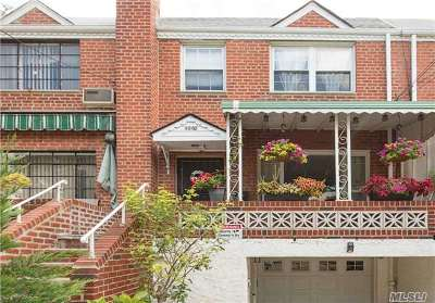 Woodside Single Family Home For Sale: 50-05 S 65th St St