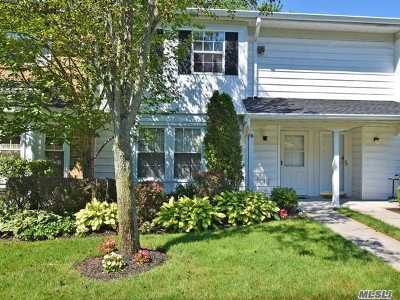 Syosset Condo/Townhouse For Sale: 10 The Mews