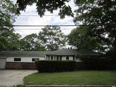 Lake Ronkonkoma Single Family Home For Sale: 42 Duane Dr