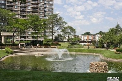 Bayside Condo/Townhouse For Sale: 1 Bay Club Dr #18L