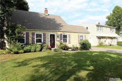 Levittown Single Family Home For Sale: 5 Anvil Ln
