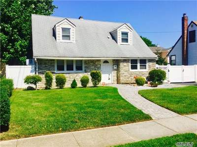 East Meadow Single Family Home For Sale: 2353 6th St