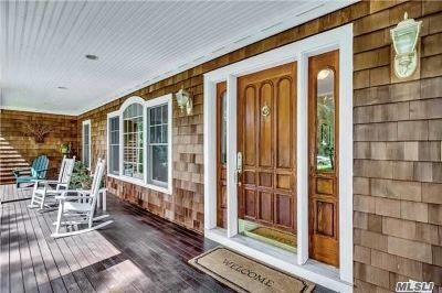 Mattituck Single Family Home For Sale: 280 Meadow Beach Ln