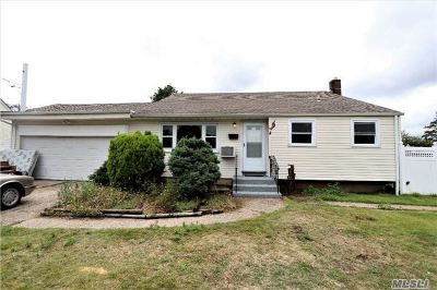 Single Family Home Sold: 146 Foster Rd