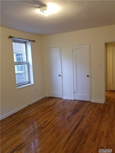 Rego Park Condo/Townhouse For Sale: 63-85 Woodhaven Blvd