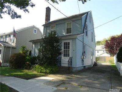 Williston Park Single Family Home For Sale: 109 Harvard St