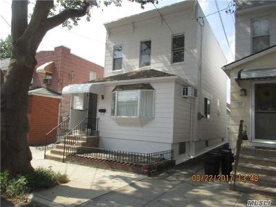 Middle Village Single Family Home For Sale: 75-07 66th Dr