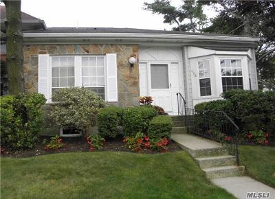 Syosset Condo/Townhouse For Sale: 195 Fen Way