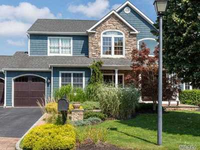 Smithtown Single Family Home For Sale: 1 Hayloft Ct