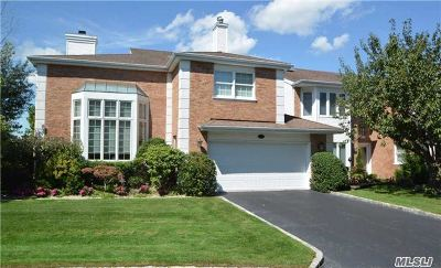 Commack Condo/Townhouse For Sale: 52 Hamlet Dr