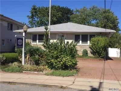 Oceanside Single Family Home For Sale: 133 Davison Ave