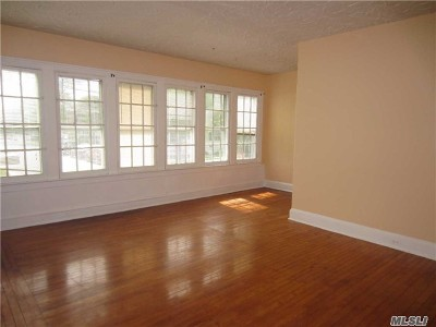 Bay Shore Rental For Rent: 22 Lawrence Ave