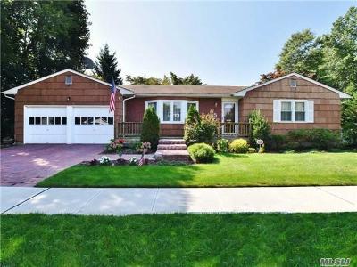Rockville Centre Single Family Home For Sale: 10 Bulson Rd