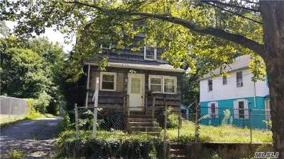 Huntington Single Family Home For Sale: 54 Tower St
