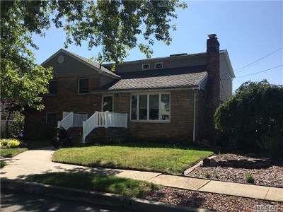 Oceanside Single Family Home For Sale: 186 Lindbergh Ave