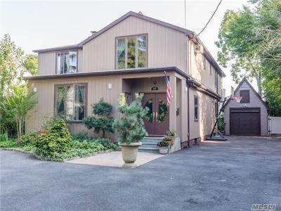 Woodmere Single Family Home For Sale: 69 Johnson Pl