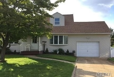 Hicksville Single Family Home For Sale: 5 Narkin Ct