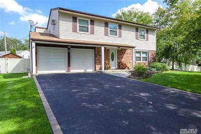 Nesconset Single Family Home For Sale: 27 Yarmouth Ln