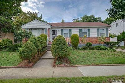 Douglaston NY Single Family Home For Sale: $850,000