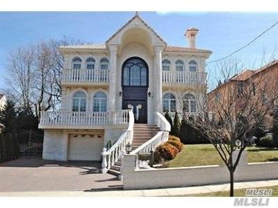 Little Neck, Douglaston, Douglas Manor Single Family Home For Sale: 252-42 Brattle Ave