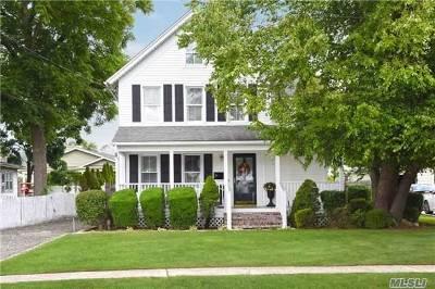 E. Rockaway Single Family Home For Sale: 675 Scranton Ave
