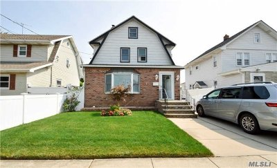 Lynbrook Single Family Home For Sale: 8 Irwin Ct