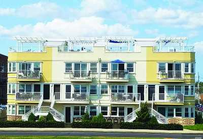 Queens County Condo/Townhouse For Sale: 101-04 Shore Front Pky #25A