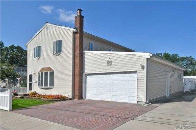 Oceanside Single Family Home For Sale: 2488 Arthur Ct