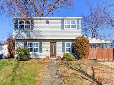 Levittown Single Family Home For Sale: 3203 N Jerusalem Rd