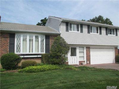 Hicksville Single Family Home For Sale: 86 Walnut Ln
