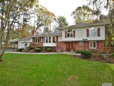Smithtown Single Family Home For Sale: 34 New Mill Rd
